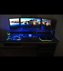 bureau ordinateur intégré cet ordinateur est intégré dans un bureau