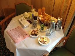 prix chambre disneyland hotel petit déjeuner en chambre photo de disneyland hotel chessy