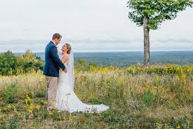 Inexpensive Wedding Venues In Maine 7 Barn Venues In Maine Themainetinker Com