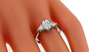 oval cut diamond 1 01 carat oval cut diamond engagement ring for sale at 1stdibs