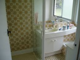 Bathroom Ceiling Paint by Paint Bathroom Tile Love This Small Bathroom The Coral Wall