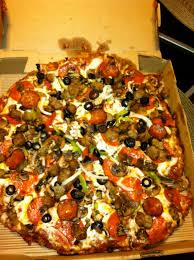 round table pizza lynnwood round table pizza king arthur supreme it s a chain and it s