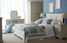 White Shabby Chic Bed by Shabby Chic Bedroom Furniture Sets Silo Christmas Tree Farm