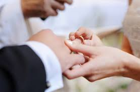 wedding ring on right wedding ring right mindyourbiz us