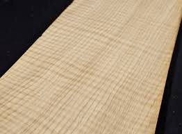 White Oak Veneer Curly Figured White Oak Wood Veneer Sheets