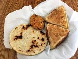 sri lanka cuisine delicious food to eat in sri lanka phenomenal globe travel