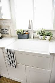 kitchen countertop decorating ideas the 25 best kitchen staging ideas on keurig station