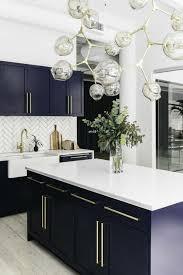 meuble cuisine bleu cuisine bleue et blanche trendy cagne decoration cuisine