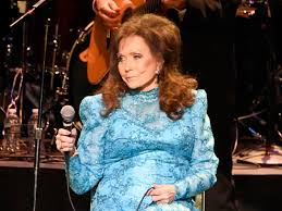 even after her stroke loretta lynn puts her fans first southern