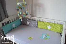 chambre bébé vert et gris linge de lit bébé articles textile et décoration chambre enfant