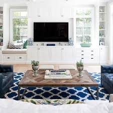 tv between windows design ideas