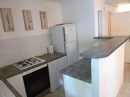 cuisine bar am駻icain cuisine dans la maison à louer au chateau de lacoste nîmes