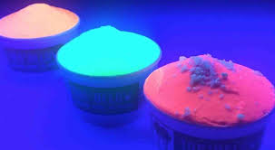 glow in the dark ice cream shop opens in australia