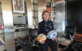 serie le bureau serie ballons de rugby et lignes sécurisées dans le bureau de la