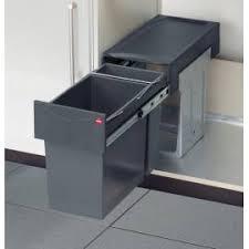 poubelle coulissante cuisine poubelle coulissante sous evier 20 litres accessoires de cuisines