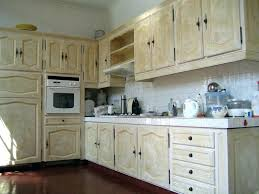 peinture meuble bois cuisine comment repeindre des meubles de cuisine en bois rayonnage cantilever