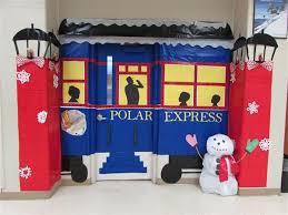 Holiday Winter Door Decorating Contest Overview