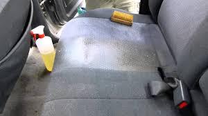 produit pour nettoyer les sieges de voiture detailing interieur