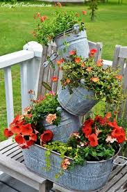 Flower Planter Ideas by Best 20 Recycled Planters Ideas On Pinterest Garden Pots Ideas