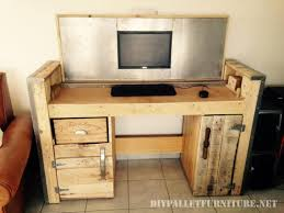 palette bureau bureau pliable avec un pcmeuble en palette meuble en palette