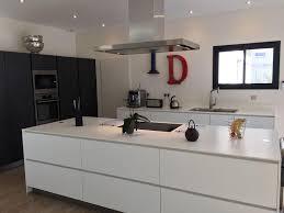 alno cuisine cuisine blanche sans poign e plan de travail en quartz poignee