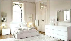 chambre blanc chambre en blanc sous lit en d lit chambre en bois blanc