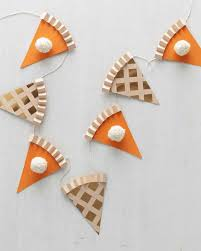 Garland by Go Ahead Cut A Slice String Your Own Thanksgiving Pie Garland