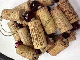 upcycled wine cork christmas tree garland craft ideas