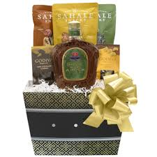 crown royal gift set gift box pros crown royal regal apple whisky harvest gift set