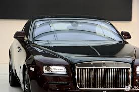 roll royce qatar bmw demonstruoja rolls royce wraith