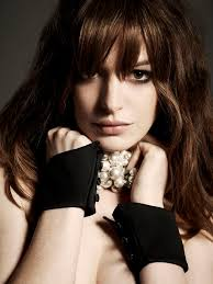 anne hathaway widescreen wallpapers 25 beautiful anne hathaway bangs ideas on pinterest anne