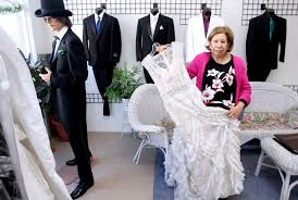 Wedding Dresses In Glendale Los by La Crescenta Alteration Expert To Try Retirement On For Size