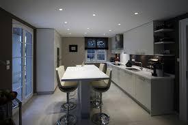 bar plan de travail cuisine américaine luxury cuisine avec table