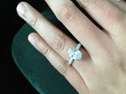 how to find a wedding band help me find a wedding band for my oval diamond e ring lots