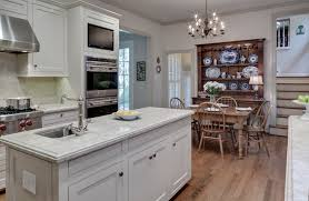 Benjamin Moore White Dove Kitchen Cabinets Mother Of Pearl Quartzite Cabinets And Trim Are Painted Benjamin