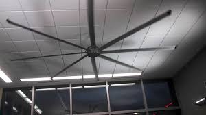 Roof Fan by Big Hvls Ceiling Fan In A Convenience Store Youtube