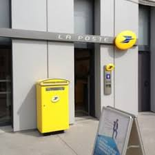 bureau poste toulouse la poste post offices 16 quai antoine riboud confluence lyon