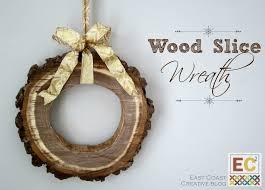 corona navideña hecha de madera adornodemadera bricolaje