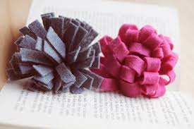felt flowers diy the step by step guide to felt flowers five ways paper and