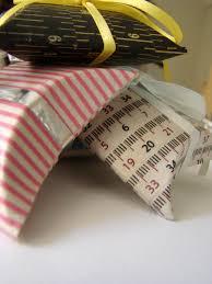creation avec des rouleaux de papier toilette tuto recycler un tube de papier toilette la fée tonnante