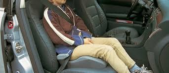 quel age sans siege auto partir de quel âge un enfant peut il s asseoir à l avant d une
