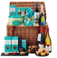 German Gift Basket Aldi U0027s Luxury Christmas Hampers Are An Absolute Bargain