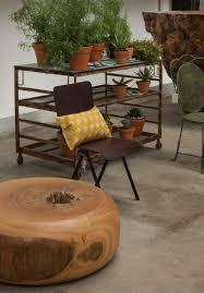 meuble deco design meubles en bois brut par tora brasil les meubles extraordinaires