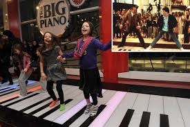fao schwarz piano still a hit 25 years after u0027big u0027 new york post