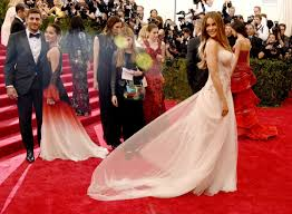 how much celebrities are paid to wear dresses on red carpet