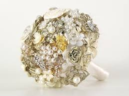 how to make wedding bouquet diy brooch wedding bouquet made of vintage family brooches and pearls