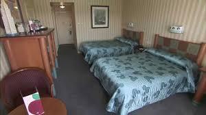 chambre standard hotel york disney disney s hotel york at disneyland