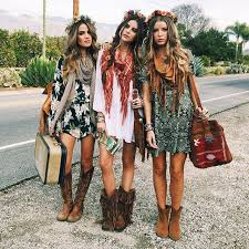 hippie style 5 go to music festival outfits photoshoot youth culture and