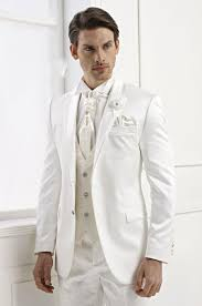 Vintage Style For Unique Wedding Dresses Interclodesigns Tips And Tricks To Choose Wedding Suits For Men Interclodesigns