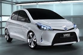 2012 toyota yaris reviews 2012 toyota yaris hb le toyota yaris hybrid compact cars